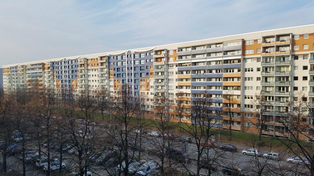 Flats along Heinrich-Heim Straße